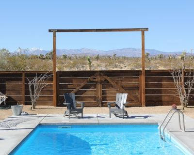 Secluded 20 Acre Retreat with Guest House and Pool - Joshua Tree