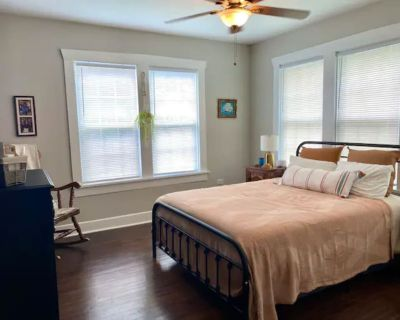 Adorable Private Bedroom in Updated Home - West Meadowbrook