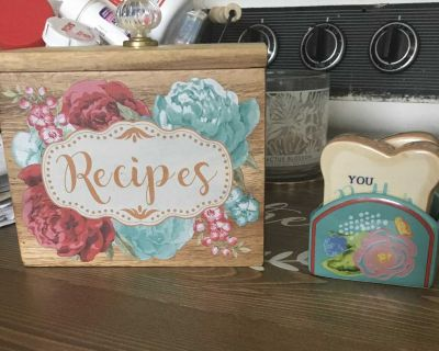 Pioneer Woman Recipe Box and Toast Salt and Pepper Shakers