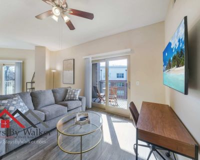 3B/2B Condo King Beds Balcony WiFi + Cable (1479 SqFt) - Myers Park