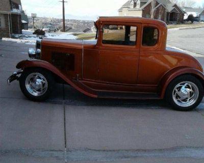 1931 Chevrolet Antique 5 Window Coupe