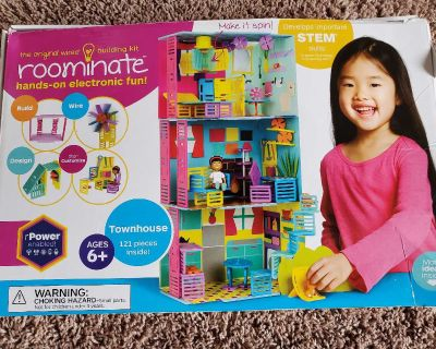 Roominate wired building set
