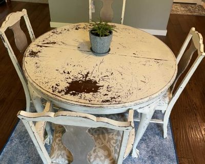 FREE Antique Farmhouse Table and 4 Chairs