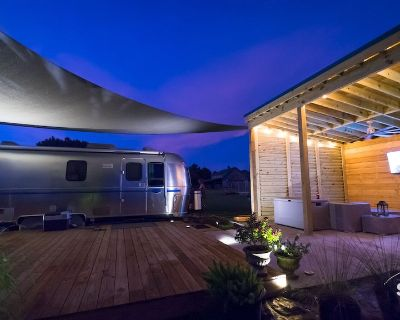 Silver Sail Airstream Glamping Sanitized Wifi EV Charger 20 ac Socialdistance - Fairhope