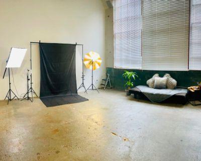 Naturally Lit Downtown Industrial Studio with A Meditative Feel, Atlanta, GA