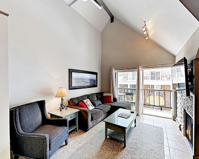 Upscale Ski-In, Ski-Out Condo with Fireplace, All-Season Pool, Hot Tub & Gym - Park City