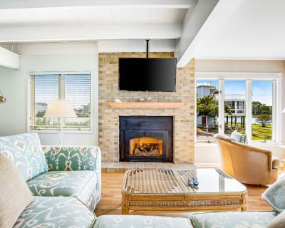 South Bethany House W/360-degree Water Views of Canal/bay - Walk to the Beach! - South Bethany