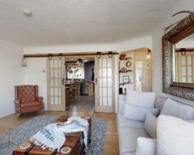 717 Cardenas Dr Se, Albuquerque, NM 87108 2 Bedroom Apartment