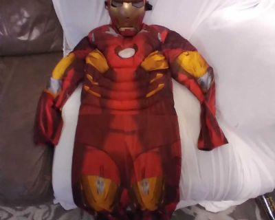 Iron Man Halloween costume size large in excellent used condition