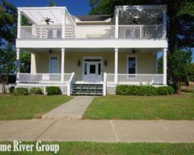 138 North Front Street #Apt B, Senatobia, MS 38668 1 Bedroom Apartment