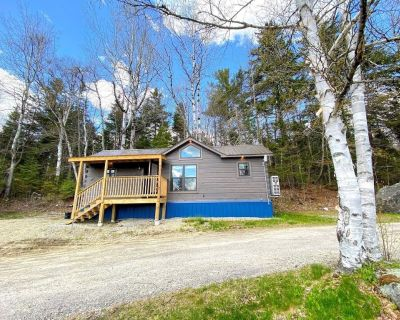 """B10 NEW!! Awesome """"Tiny Home"""" with A/C, Mountain Views, Minutes to Skiing, Hiking, Attractions - Carroll"""