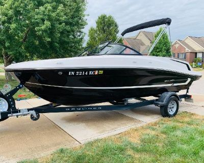 2018 Bayliner VR5 Bowrider I/O