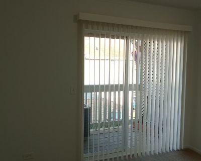 Private room with shared bathroom - Villa Park , IL 60181