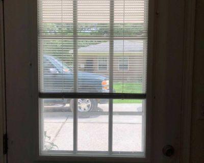 White cordless aluminum door blind