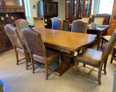 Donate Dining Table Set with 2 Leaves and 6 Chairs by Lane Furniture