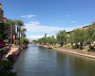 MODERN 2BR/2BA Condo w/ Pool! WALK TO NEARBY SCOTTSDALE WATERFRONT & OLDTOWN - South Scottsdale