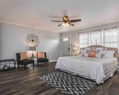 Bivins Suite *Perfectly Located off I-40* - Amarillo