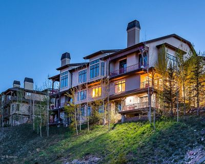 SANITIZED-Ski in/Ski out Luxury Condo in Canyons Village w/ Views - Gourmet Kitc - Park City