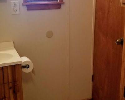 Cozy 2 bedroom Cottage - South Arlington