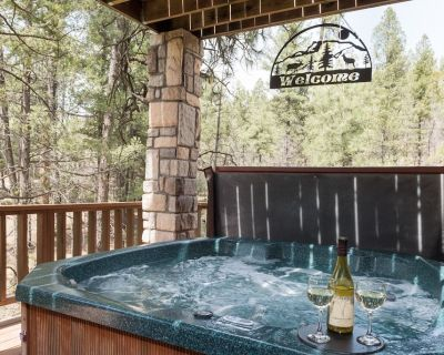 Cedar Creek Retreat is the perfect destination for a large group of friends or a - Alpine Cellars Village