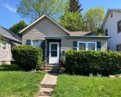 2 Bed 1 Bath Preforeclosure Property in Dayton, OH 45420 - Brooks St