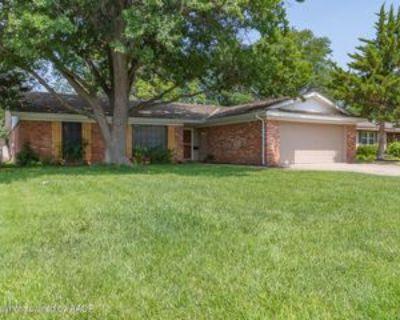 3932 Puckett Dr, Amarillo, TX 79109 3 Bedroom Apartment