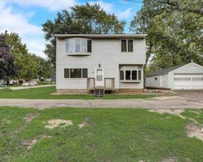 134 16th St, Newport, MN 55055 4 Bedroom Apartment