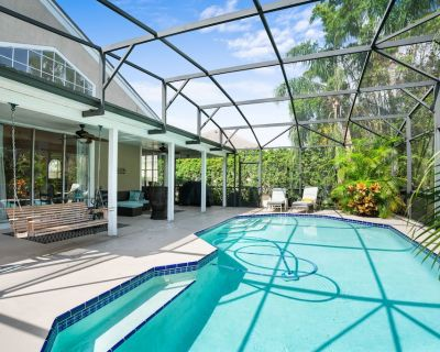 Luxury Home - Heated Pool - 3D Movie Room - Near Disney World & Universal Studio - Metro West