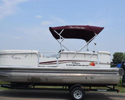 2011 Sun Tracker 21 Party Barge