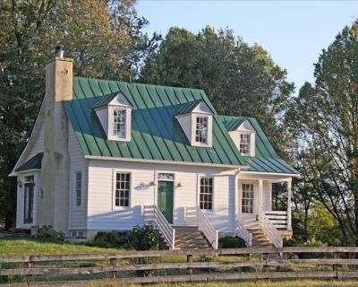 Hunt Box-Antique Filled Cottage on Lowelands Farm-Middleburg - Blue Ridge