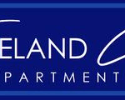201 N Main St #14, Freeland, MI 48623 2 Bedroom Apartment