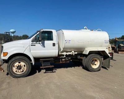 2000 FORD F750 Water Trucks Truck