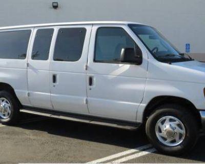 2006 Ford Econoline Wagon E-350 Super Duty XLT