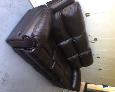 3 seat reclining couch