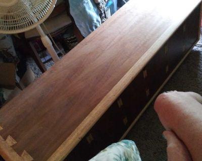 Lane Cedar chest/vintage
