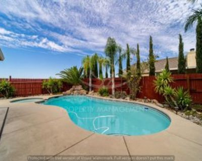 512 Spruce Ct #1, Lincoln, CA 95648 3 Bedroom Apartment
