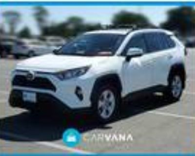 2019 Toyota RAV4 White, 25K miles