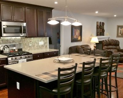 Great northside location, close to everything. 15 min to downtown - Indianapolis