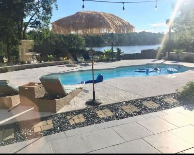 Executive Corporate Lake House with Salt Water Pool. - Jonesboro