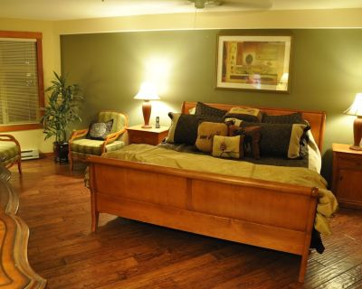 Over The Top, 3-Bedrm, Primary Residence, Ski in/out, Low Rates $299-$699 Nightl - Solitude