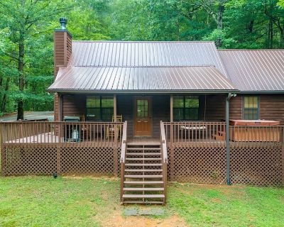 Bearadise Retreat - Private cabin with Hot tub - Firepit - Free Wifi - Walnut Mountain