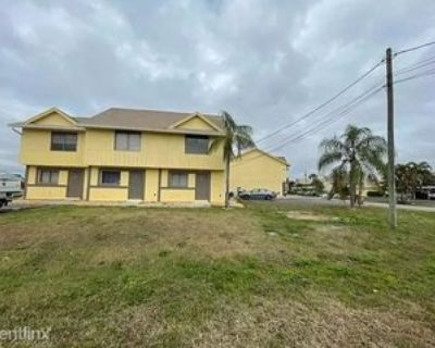 512 Se 43rd St, Cape Coral, FL 33904 2 Bedroom House