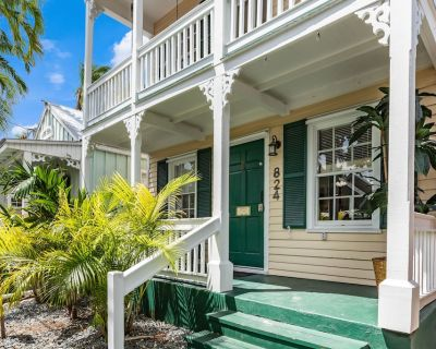 """SAILOR HOUSE"" ~ Charming 2 Bedroom, 1.5 Bathroom Just Steps to Duval St! - Bouvet Island"