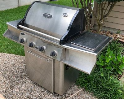 Vermont Castings Stainless Steel VM450 Gas Grill