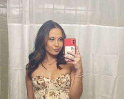 Alyssa, 21 years, Female - Looking in: Houston Harris County TX