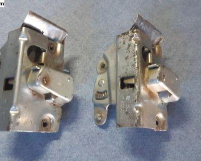 Nos door lock mechanism