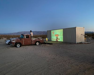 5 Acres in High Desert, Post Apocalyptic Vibe, Beautiful Newly Renovated Cabin, Twentynine Palms, CA