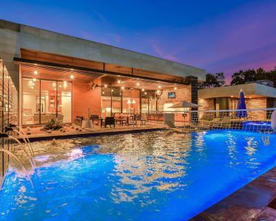 ABOVE PINNACLE | Up to 11 Beds | Casita | 5 Mi to ATX | Pool/Spa I Luxury - Austin
