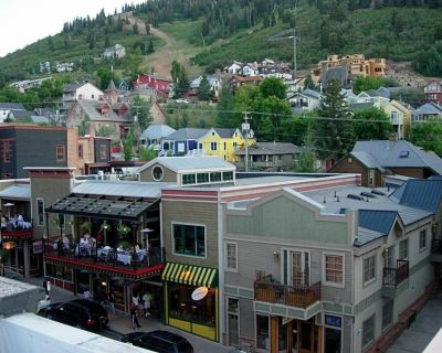 Penthouse on Main Street! MONTH STAYS AVAILABLE! Private rooftop hot tub! - Downtown Park City