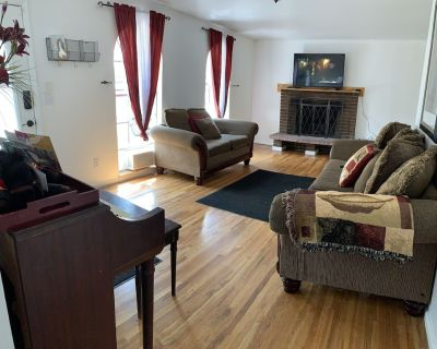 Discount on Immaculate Home Minutes to Downtown. Wifi, Smart tv, Hulu, Privacy - Adams County